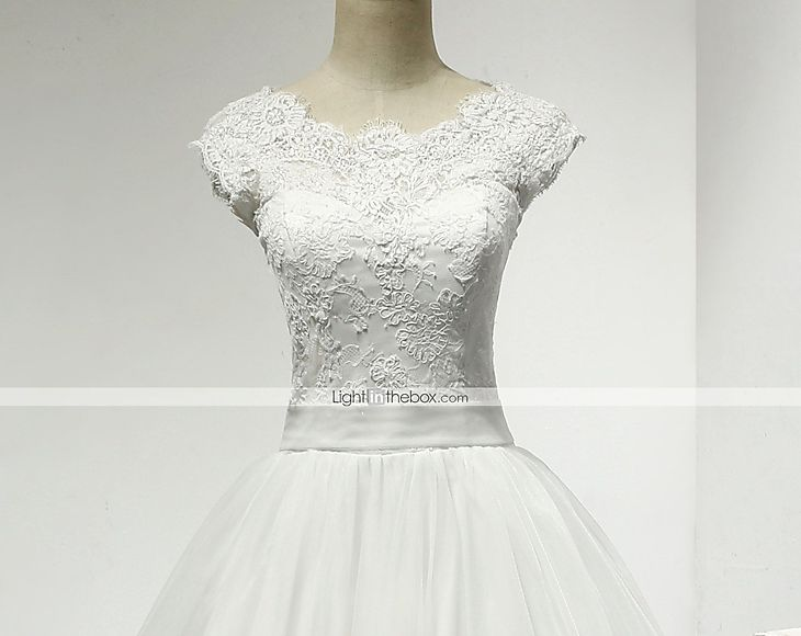 Ruffle Ball Gown Wedding Dress: Ball Gown Wedding Dress Chapel Train Scoop Lace / Tulle