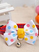 patrón de puntos meshbelt ajustable bowknot blanco y un collar decorado campana para perros