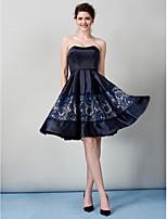 TS 패션 칵테일 파티 드레스 - 다크 네이비 라인 끈이없는 무릎 길이 새틴