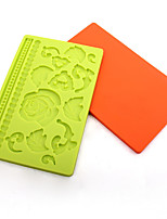 molde de silicona moldes de cocción de pasta de azúcar / chocolate / decoración de pasteles (color al azar)