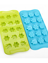 Flowers Shaped Baking Molds Ice/ Chocolate/ Cake Mold (Random Color)