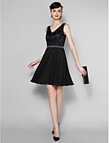 Knee-length Lace / Georgette Bridesmaid Dress - Black Plus Sizes / Petite A-line V-neck