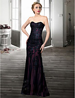 Formal Evening Dress - Black / Ivory Plus Sizes / Petite Trumpet/Mermaid Sweetheart Floor-length Lace
