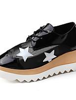 Zapatos de mujer Cuero/Encaje Tacón Cuña Cuñas/Plataforma/Creepers Zapatos de Deporte Oficina y Trabajo/Casual/Deporte Negro/Blanco/Beige
