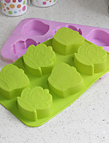 Crown Shaped Silicone Baking Molds Ice/ Chocolate/ Cake Mold (Random Color)