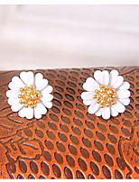 Korean Fashion Small Daisy Flowers Fresh And Elegant Earrings