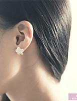Alice Flower Ear Stud(White)(1Pr)
