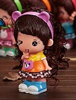 boîte de l'argent en plastique mini tirelire fille chiffre de poupée (couleur aléatoire)