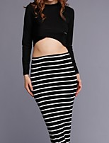 Women's Sexy/Casual Micro-elastic Long Sleeve Short T-shirt Black and White Skirt 2 Pieces a Set (Cotton/Spandex)