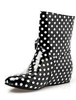 Women's Shoes Patent Leather Low Heel Rain Boots/Round Toe Boots Office & Career/Dress/Casual Black/Blue/Beige