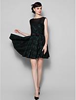 hemkomst cocktailparty klänning - svart a-line juvel kort / mini spets / tyll