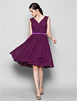 Knee-length Chiffon Bridesmaid Dress - Grape Plus Sizes / Petite A-line V-neck