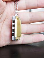 de haute qualité, quatre trous plus petit au monde huit petite touche harmonica mini-collier (couleur aléatoire livraison)
