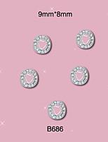 B686 9mm*8mm Round Stones with Heart Shape 3D Alloy Nail Art Rhinestone Stickers Glitter Decorations 10pcs