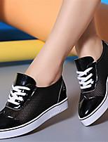 Zapatos de mujer - Tacón Plano - Puntiagudos - Sneakers a la Moda - Casual - Semicuero - Negro / Blanco