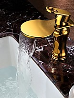 Shengbaier Bathroom Sink Faucet Golden Royal Design Waterfall Brass High Grade Faucet (Ti-PVD Finish)