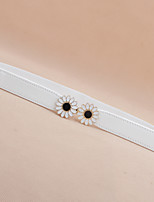 Female Models Decorative and Thin Belts,Fashion Wild Sweet Daisy Flowers on the Buckle