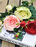 A Bunch Of 3 Head Of  Polyester Roses Artificial Flowers(1pc)