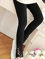 Women Solid Color / Stitching Lace Legging , Cotton Medium