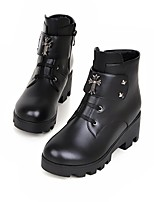Women's Shoes Leatherette Chunky Heel Round Toe Boots Casual Black / White