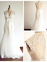 Trumpet/Mermaid Wedding Dress - Ivory Floor-length V-neck Lace / Tulle