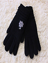 The New Woman Pure Color Jacquard Hand Sewn Pearls Plum Gloves