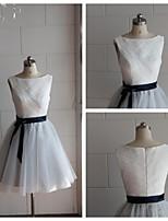 Knee-length Lace / Tulle Bridesmaid Dress - Multi-color A-line Bateau