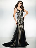 Formal Evening Dress - Black Trumpet/Mermaid V-neck Sweep/Brush Train Tulle