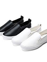 Calçados Femininos - Mocassins - Conforto / Arrendondado / Bico Fechado - Rasteiro - Preto / Branco - Courino - Casual