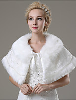 Wedding / Party/Evening / Casual Faux Fur Capelets Sleeveless Wedding  Wraps / Fur Wraps