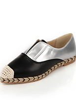 Women's Shoes Leather Flat Heel Comfort / Pointed Toe / Closed Toe Loafers Dress / Casual Black / White