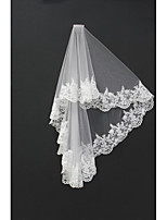 Wedding Veil Two-tier Blusher Veils / Shoulder Veils / Fingertip Veils Lace Applique Edge