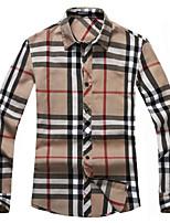 2015 new European style leisure long sleeved plaid shirt shirt mens fashion key