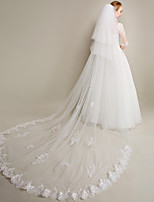Wedding Veil Three-tier Chapel Veils / Cathedral Veils Lace Applique Edge