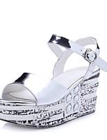 Chaussures Femme-Bureau & Travail / Habillé / Décontracté-Noir / Argent-Talon Compensé-Compensées / Bout Ouvert-Sandales-Cuir
