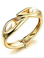 Women's Cuff Bracelet Pearl / 18K Gold Plated Pearl