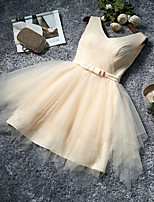 Knee-length Tulle Bridesmaid Dress-Ruby / Lilac / Pearl Pink / Champagne / Silver / Sky Blue A-line V-neck