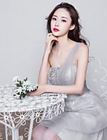 Платье для подружек невесты-Серебряный С пышной юбкой На одно плечо До колена Тюль