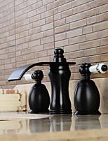 Diffusion large Deux poignées trois trous in Bronze huilé Robinet lavabo