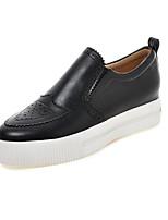 Women's Shoes Leatherette Platform Platform / Round Toe Loafers Casual Black / White / Beige