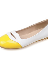 Women's Shoes Patent Leather Flat Heel Round Toe Flats Outdoor / Dress / Casual Black / Yellow / Pink