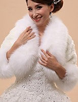 Wedding / Party/Evening Faux Fur Capelets 3/4-Length Sleeve Wedding  Wraps / Fur Wraps / Hoods & Ponchos