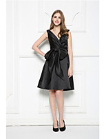 Cocktail Party Dress-Black A-line V-neck Knee-length Satin