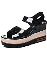 Women's Shoes Patent Leather Platform Peep Toe/Creepers Sandals Office & Career/Party & Evening/Dress/Casual Black/White