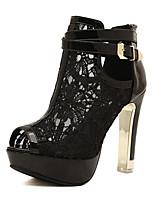 Calçados Femininos-Sandálias-Saltos / Peep Toe-Salto Agulha-Preto / Branco-Microfibra-Casual