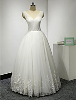 A-line Wedding Dress-Ivory Floor-length V-neck Lace / Tulle