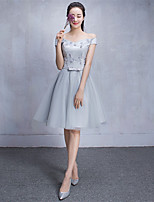 Short / Mini Tulle Bridesmaid Dress A-line Off-the-shoulder with Lace