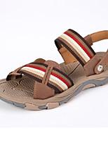 Sapatos Masculinos-Sandálias / Deslizante-Preto / Marrom-Couro de Porco-Ar-Livre / Casual