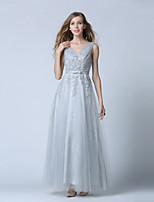 Sheath/Column Wedding Dress-Ankle-length V-neck Lace / Tulle