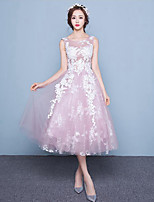 A-line Wedding Dress-Tea-length Scoop Lace / Tulle